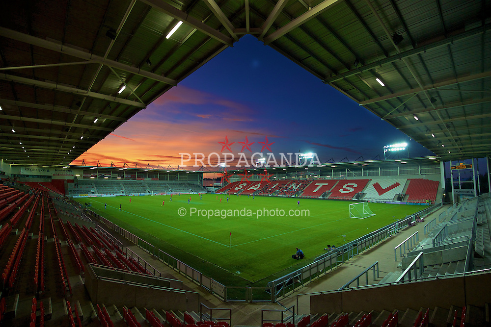 ST HELENS, ENGLAND - Monday, September 28, 2015: Liverpool take on Leicester City during the Under 21 FA Premier League match at Langtree Park. (Pic by David Rawcliffe/Propaganda)