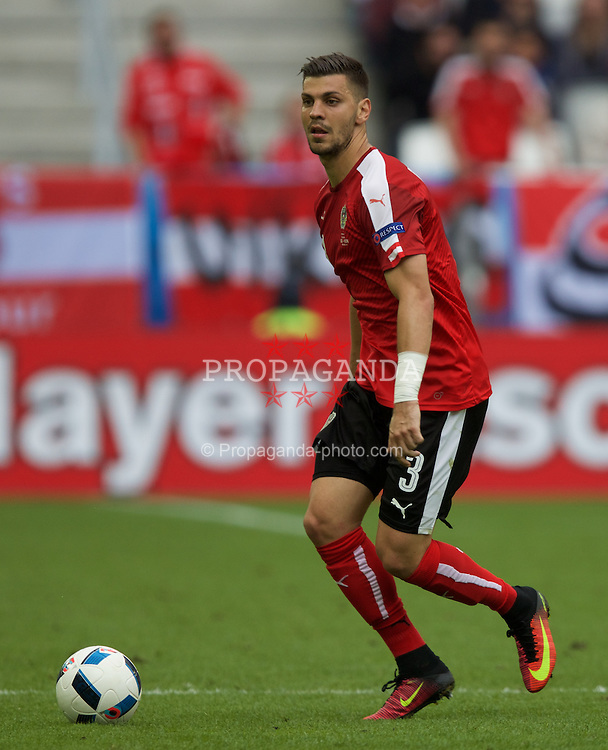 BORDEAUX, FRANCE - Monday, June 14, 2016: Austria's  Aleksandar Dragovic in action against Hungary during the UEFA Euro 2016 Championship match at Stade de Bordeaux. (Pic by Paul Greenwood/Propaganda)