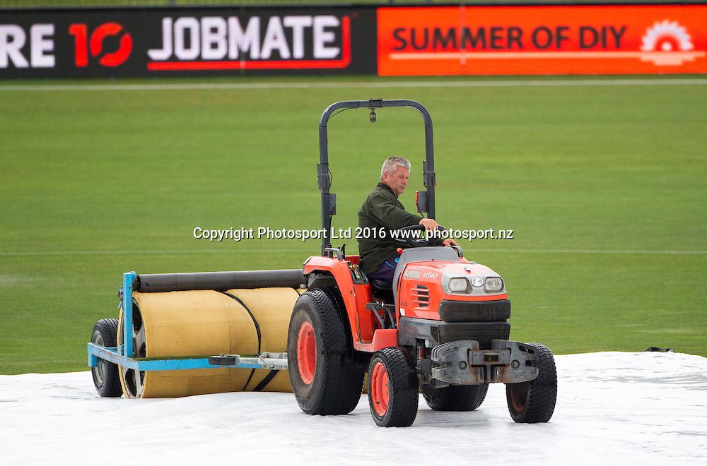 Rain at McLean Park, ODI Cricket, Black Caps v Pakistan, McLean Park, Napier, New Zealand. Thursday, 28 January, 2016. Copyright photo: John Cowpland / www.photosport.nz