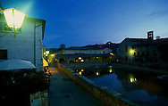 The central square of Bagno Vignoni, with a water tank covering almost all the space.