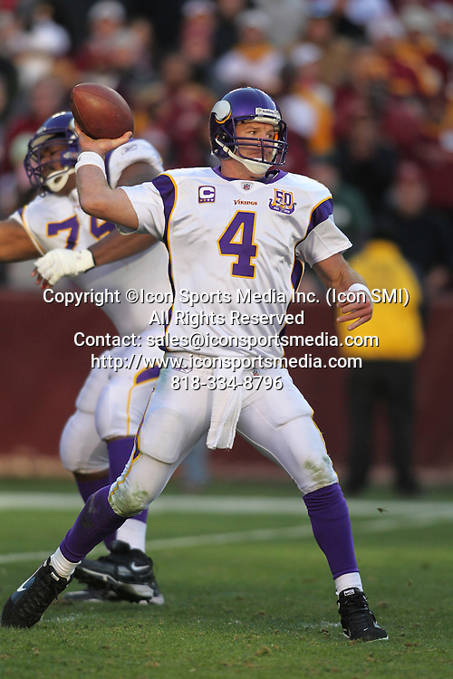 28 NOVEMBER 2010:  Minnesota Vikings quarterback Brett Favre throws a pass during game against the Washington Redskins.  The Vikings defeated the Redskins 17-13 at Fed Ex Field in Landover, Md.