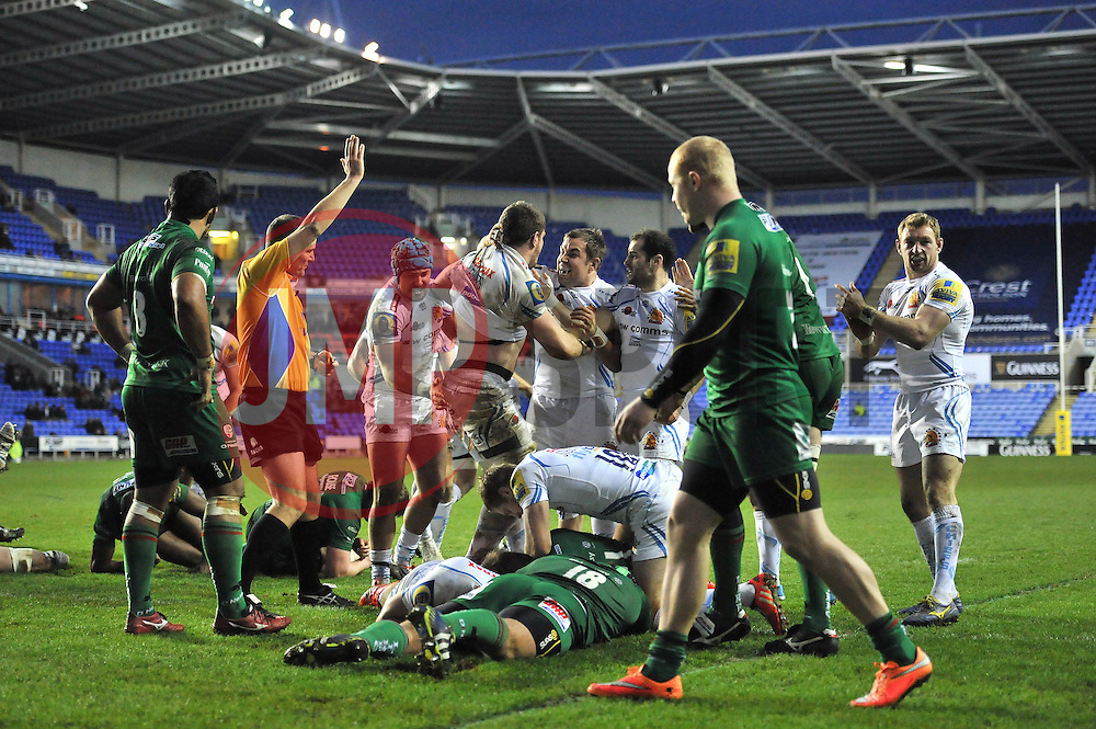 Exeter Chiefs' Blindside Flanker, Dave Ewers celebrates his try with team mates - Photo mandatory by-line: Dougie Allward/JMP - Mobile: 07966 386802 - 11/01/2015 - SPORT - RUGBY - Reading - Madejski Stadium - London Irish v Exeter Chiefs - Aviva Premiership
