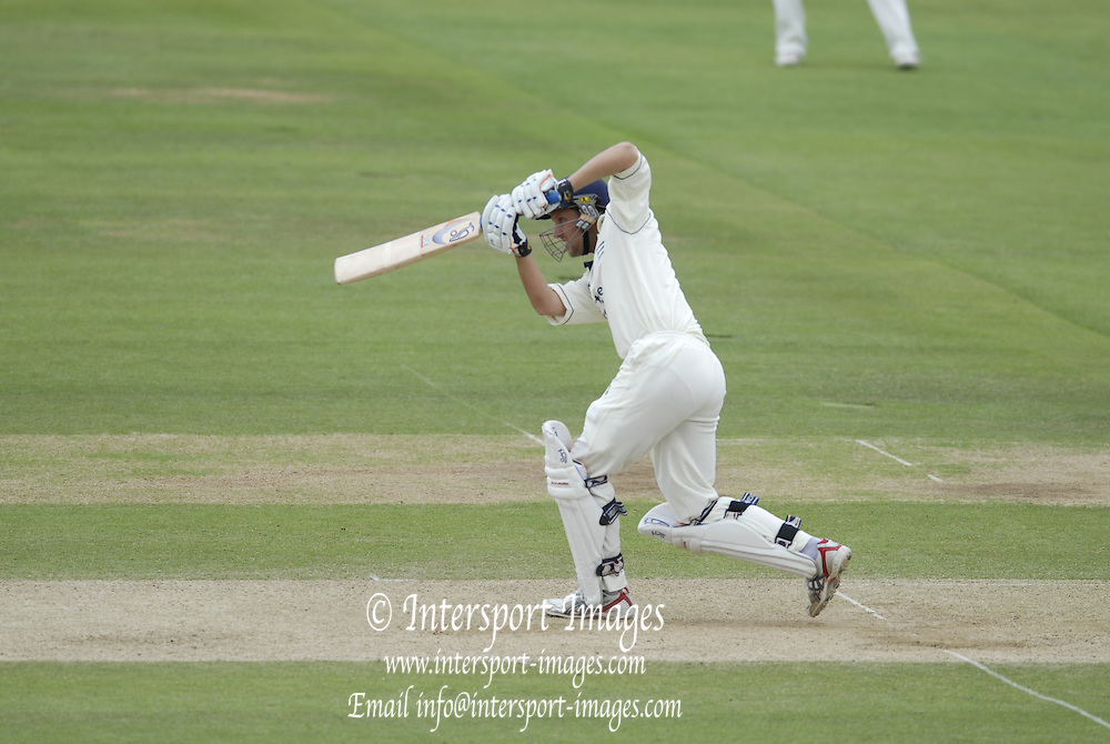 London, GREAT BRITAIN, Ed SMITH, during the Liverpool Victoria Div 2 County championship match between  Middlesex vs Essex, at Lord's Cricket Ground, England on the 3rd days play.  Sun 17.06.2007  [Mandatory Credit: Peter Spurrier/Intersport-images].....