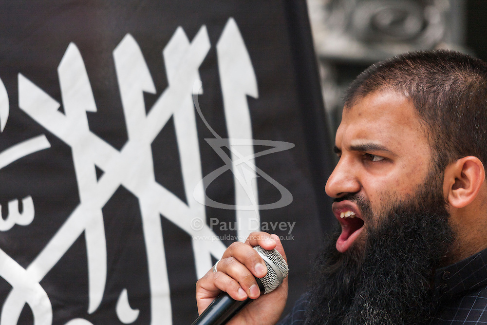 Londo, May 25th 2014. Radical Islamists protest at the Lebanese embassy in London against the arrest in Lebanon earlier in the day of fundamentalist scholar Sheikh  Omar Bakri Muhammad.