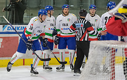 12.04.2018, Tiroler Wasserkraft Arena, Innsbruck, AUT, Eishockey Testspiel, Österreich vs Italien, während dem Eishockey Testspiel Österreich vs Italien am Donnerstag, 12. April 2018 in Innsbruck, im Bild Torjubel Italien nach dem 2:1 // during the International Icehockey Friendly match between Austria and Italy at the Tiroler Wasserkraft Arena in Innsbruck, Austria on 2018/04/12. EXPA Pictures © 2018, PhotoCredit: EXPA/ Jakob Gruber