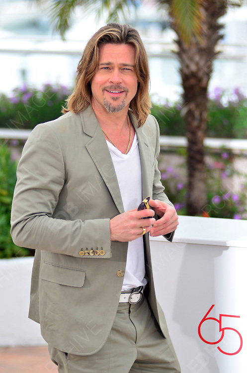 22.MAY.2012. CANNES<br /> <br /> BRAD PITT ATTENDS THE 'KILLING THEM SOFTLY' PHOTOCALL AT THE 65TH CANNES FILM FESTIVAL<br /> <br /> BYLINE: JOE ALVAREZ/EDBIMAGEARCHIVE.COM<br /> <br /> *THIS IMAGE IS STRICTLY FOR UK NEWSPAPERS AND MAGAZINES ONLY*<br /> *FOR WORLD WIDE SALES AND WEB USE PLEASE CONTACT EDBIMAGEARCHIVE - 0208 954 5968*