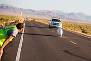 Jan Marcel van Dijken tijdens de vierde racedag. In Battle Mountain (Nevada) wordt ieder jaar de World Human Powered Speed Challenge gehouden. Tijdens deze wedstrijd wordt geprobeerd zo hard mogelijk te fietsen op pure menskracht. Het huidige record staat sinds 2015 op naam van de Canadees Todd Reichert die 139,45 km/h reed. De deelnemers bestaan zowel uit teams van universiteiten als uit hobbyisten. Met de gestroomlijnde fietsen willen ze laten zien wat mogelijk is met menskracht. De speciale ligfietsen kunnen gezien worden als de Formule 1 van het fietsen. De kennis die wordt opgedaan wordt ook gebruikt om duurzaam vervoer verder te ontwikkelen.<br /> <br /> In Battle Mountain (Nevada) each year the World Human Powered Speed Challenge is held. During this race they try to ride on pure manpower as hard as possible. Since 2015 the Canadian Todd Reichert is record holder with a speed of 136,45 km/h. The participants consist of both teams from universities and from hobbyists. With the sleek bikes they want to show what is possible with human power. The special recumbent bicycles can be seen as the Formula 1 of the bicycle. The knowledge gained is also used to develop sustainable transport.