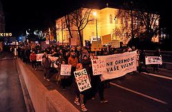 10.12.2015, Ljubljana, SLO, Proteste gegen Fremdenfeindlichkeit und Grenzzäune, im Bild hunderte Menschen protestieren am Congress Platz // during protests against xenophobia and border fences Ljubljana, Slovenia on 2015/12/10. EXPA Pictures © 2015, PhotoCredit: EXPA/ Pixsell/ Borut Zivulovic/FA Bobo<br /> <br /> *****ATTENTION - for AUT, SLO, SUI, SWE, ITA, FRA only*****