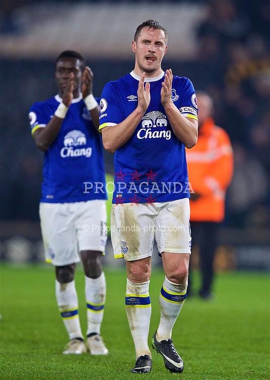 KINGSTON-UPON-HULL, ENGLAND - Friday, December 30, 2016: Everton's captain Phil Jagielka applauds the supporters after his side draw 2-2 with Hull City during the FA Premier League match at the KCOM Stadium. (Pic by David Rawcliffe/Propaganda)