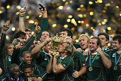 Oct 20, 2007 - Paris, France - Rugby World Cup 2007: Percy Montgomery kisses the William Webb Ellis trophy. South Africa beat England 15-6 in the final match to win the Cup.  (Credit Image: © JB AUTISSIER/Fep/Panoramic/ZUMA Press)