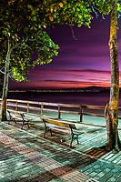 Sambaqui ao anoitecer. Florianópolis, Santa Catarina, Brasil. / Sambaqui at evening. Florianopolis, Santa Catarina, Brazil.
