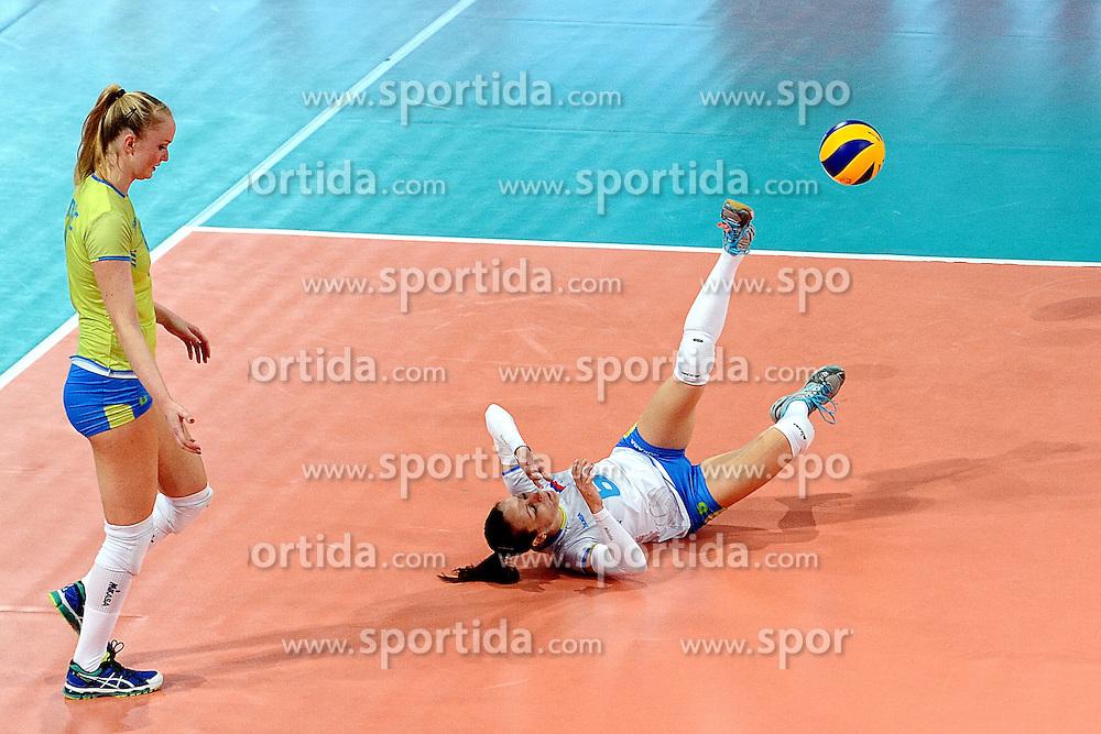 27-09-2015 NED: Volleyball European Championship Slovenie - Italie, Apeldoorn<br /> Italie wint met 3-0 van Slovenie / Katja Medved<br /> Photo by Ronald Hoogendoorn / Sportida