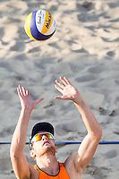 ROTTERDAM - Poulewedstrijd Brouwer/Meeuwsen - Huver/Seidl , Beachvolleybal , WK Beach Volleybal 2015 , 27-06-2015 , Alexander Brouwer