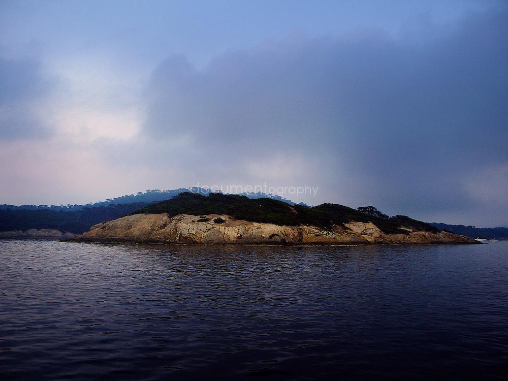 La cote sud-est de L'ile de Porquerolles