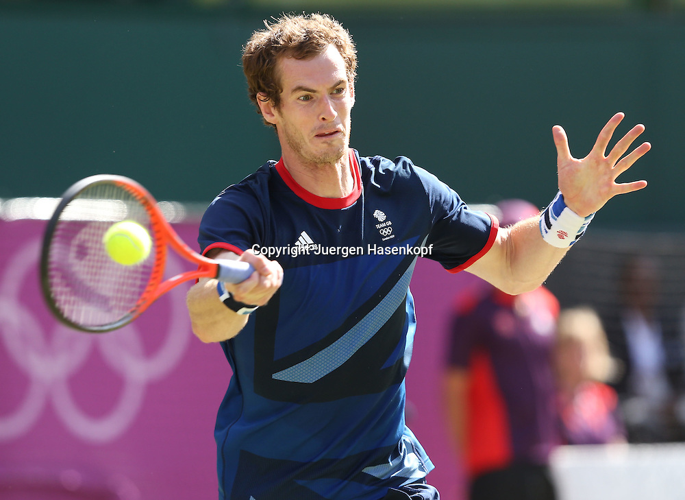 Olympiade,Wimbledon,AELTC,London 2012.Olympic Tennis Tournament, Herren Einzel Finale,.Andy Murray (GBR),Aktion,Einzelbild,Halbkoerper,Querformat,