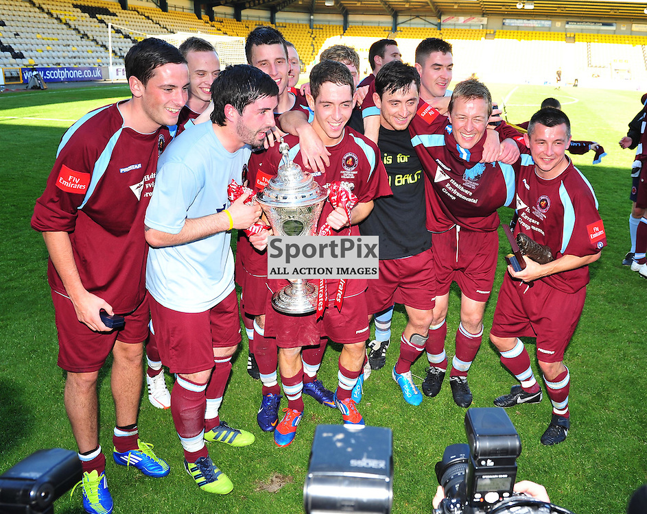 Shotts lift the cup..Auchinleck Talbot v Shotts Bon Accord, Emirates Junior Cup Final, Sunday 27th May 2012..ALEX TODD | STOCKPIX.EU