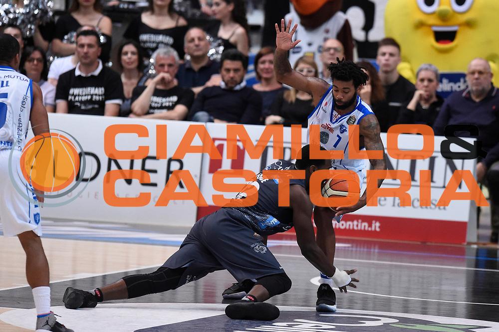 Lacey Trevor, Hogue Dustin<br /> Quarti di Finale Gara 2<br /> Legabasket A 2016,2017<br /> Trento 14,05,2017<br /> Foto Ciamillo-Castoria,GiulioCiamillo