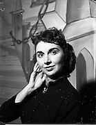 08/12/1952<br /> 12/08/1952<br /> 08 December 1952<br /> Theatre Royal pantomime, Miss Jenee Barrie.