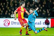 DEVENTER - 13-01-2017, Go Ahead Eagles - AZ,  Stadion Adelaarshorst, GA Eagles speler Sander Fischer, AZ speler Wout Weghorst