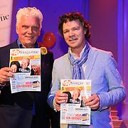 NLD/Hilversum/20130305 - Lancering Max Magazine, Peter Contant en Jan Slagter met het eerste exemplaar