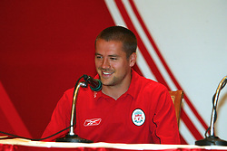 BANGKOK, THAILAND - Thursday, July 22, 2003: Liverpool's Michael Owen all smiles as he talks about his new baby daughter at a press conference at the Merchant Court Hotel in Bangkok, ahead of their preseason match against Thailand. (Pic by David Rawcliffe/Propaganda)