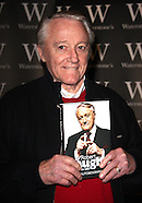 Robert Vaughn Dies: 'Man From U.N.C.L.E' Star Was 83