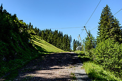 THEMENBILD - Der Blick zurück in die Steilhang ausfahrt, aufgenommen am 26. Juni 2017, Kitzbühel, Österreich // The view back into the steep slope exit at the Streif, Kitzbühel, Austria on 2017/06/26. EXPA Pictures © 2017, PhotoCredit: EXPA/ Stefan Adelsberger
