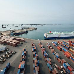 Vista aérea da cidade Luanda, capital de Angola. Porto de Luanda, Bairro Boavista