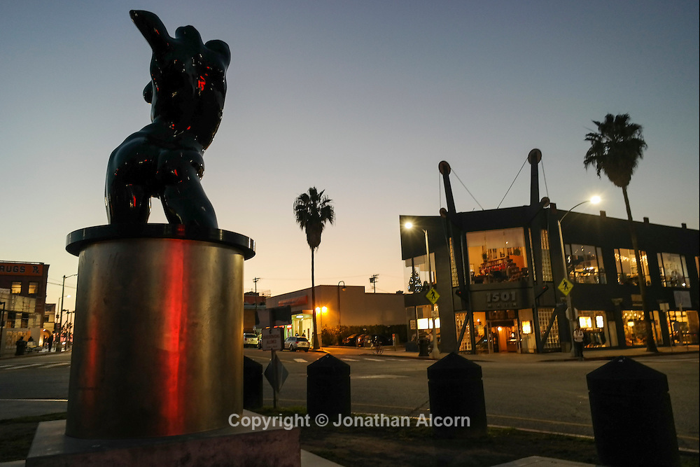 Late Venice artist Robert Graham's statue in Windward Circle December 13, 2013. NX300 17mm lens ©Jonathan Alcorn