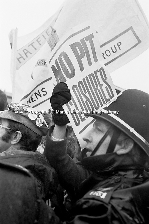 Hatfield Womens Support group join the picket line during the 84/85 miners strike...© Martin Jenkinson tel 0114 258 6808  mobile 07831 189363 email martin@pressphotos.co.uk  NUJ recommended terms & conditions apply. Copyright Designs & Patents Act 1988. Moral rights asserted credit required. No part of this photo to be stored, reproduced, manipulated or transmitted by any means without prior written permission.