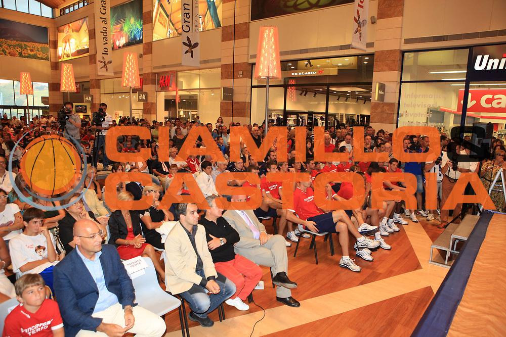DESCRIZIONE : Teramo Lega A 2009-10 Bancatercas Teramo Raduno<br /> GIOCATORE : team<br /> SQUADRA : Bancatercas Teramo<br /> EVENTO : Campionato Lega A 2009-2010 <br /> GARA : <br /> DATA : 29/08/2009<br /> CATEGORIA : Raduno team<br /> SPORT : Pallacanestro <br /> AUTORE : Agenzia Ciamillo-Castoria/M.Carrelli<br /> Galleria : Lega Basket A 2009-2010 <br /> Fotonotizia : Teramo Lega A 2009-10 Bancatercas Teramo Raduno<br /> Predefinita :