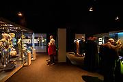 In Utrecht is de tentoonstelling Star Wars Identies te zien tot en met 11 maart 2018. Op de expositie zijn originele kostuums, rekwisieten en de personages te zien. Daarnaast kunnen bezoekers een eigen Star Wars identiteit maken door hun eigen karakter te combineren met fictieve elementen. Star Wars werd veertig jaar geleden, op 25 mei 1977, voor het eerst getoond op film. De filmserie is nog altijd mateloos populair.<br /> <br /> In Utrecht the exhibition Star Wars Identies is shown. The exhibition shows original costumes, props and the characters. In addition, visitors can create their own Star Wars identity by combining their own character with fictional elements. Star Wars was first shown on film forty years ago, on May 25, 1977. The film series is still very popular.