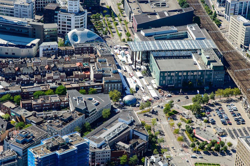 Nederland, Noord-Brabant, Eindhoven, 23-08-2016; centrum Eindhoven met Vestdijk, 18 septemberplein, Stationsplein, markt en warenhuis Bijenkorf<br /> Town centre Eindhoven with market<br /> <br /> luchtfoto (toeslag op standard tarieven);<br /> aerial photo (additional fee required);<br /> copyright foto/photo Siebe Swart