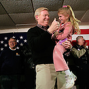 Rep. Richard Gephardt (D-MO) campaigns with union members Sunday, January 18, 2004, in Newton, IA...Photo by Khue Bui