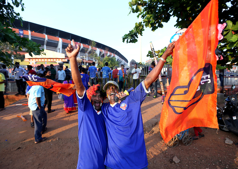 Fan's before the start of the match 46 of the Hero Indian Super League between FC Goa and North East United FC held at the Jawaharlal Nehru Stadium, Fatorda, India on the 1st December 2014.<br /> <br /> Photo by:  Sandeep Shetty/ ISL/ SPORTZPICS