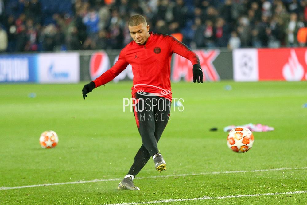 Kylian Mbappe of Paris Saint-Germain warm up shot during the Champions League Round of 16 2nd leg match between Paris Saint-Germain and Manchester United at Parc des Princes, Paris, France on 6 March 2019.