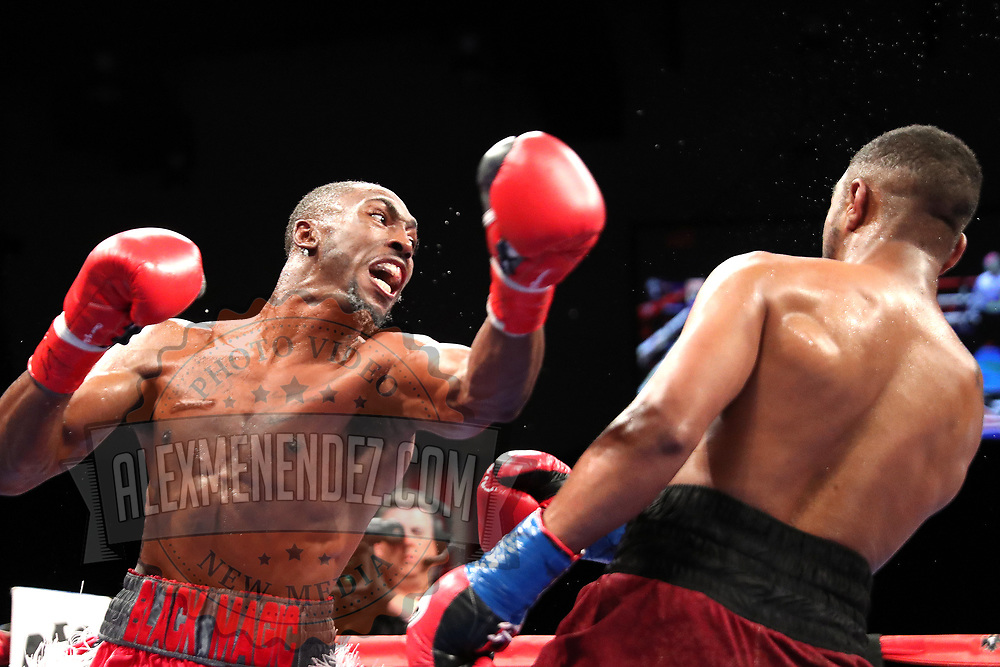 VERONA, NY - JUNE 08: Travell Mazion (L) misses a punch to Daquan Pauldo during the Golden Boy on ESPN fight night at Turning Stone Resort Casino on June 8, 2018 in Verona, New York. (Photo by Alex Menendez/Getty Images) *** Local Caption *** Daquan Pauldo; Travell Mazion
