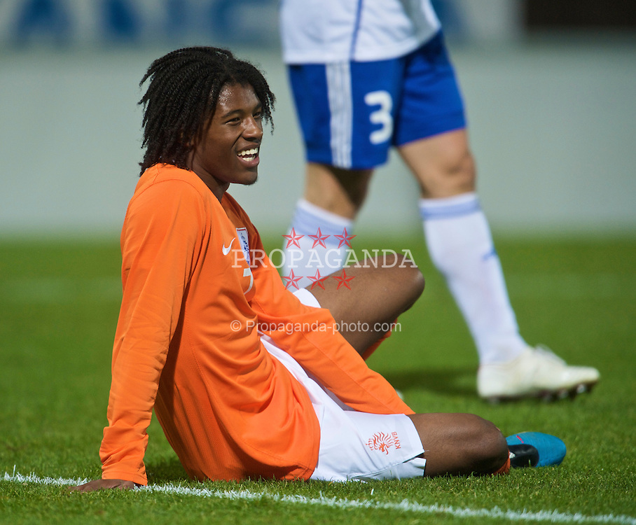 HELSINKI, FINLAND - Friday, October 9, 2009: The Netherlands' Georginio Wijnaldum (Feyenoord) during the UEFA Under-21 Championship Qualifying Round Group 4 match against Finland at the Finnair Stadium. (Pic by David Rawcliffe/Propaganda)