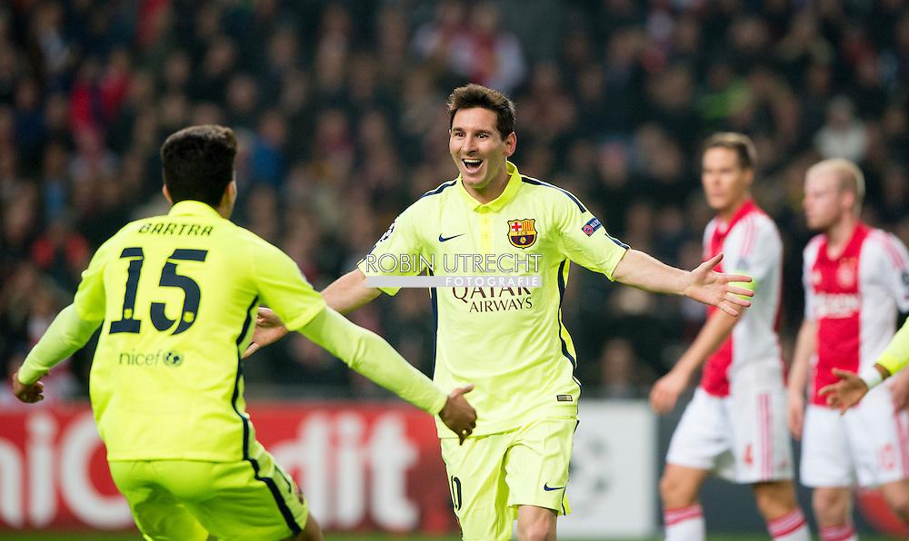 AMSTERDAM - Messi viert de 1-0 tegen Ajax tegen barcelona in de champions league . COPYRIGHT ROBIN UTRECHT