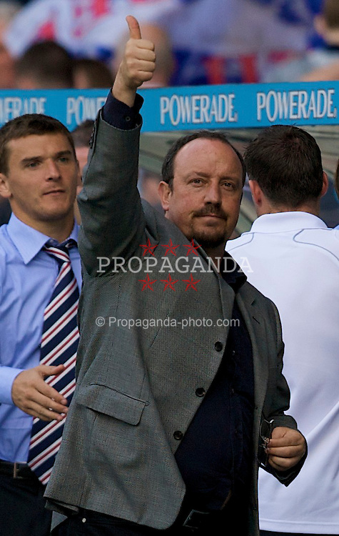 GLASGOW, SCOTLAND - Saturday, August 2, 2008: Liverpool's manager Rafael Benitez waves to the Liverpool supporters after his side's 4-0 victory over Rangers during a pre-season friendly match at Ibrox Stadium. (Photo by David Rawcliffe/Propaganda)