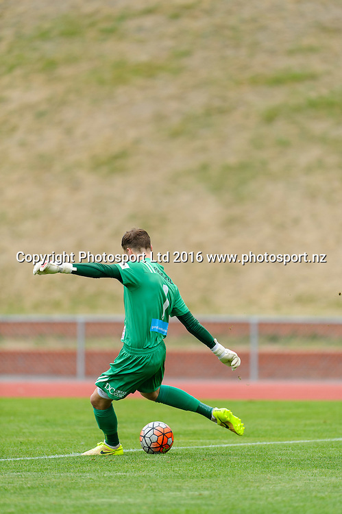 Josh Hill takes a goal kick during ASB premiership Wellington Phoenix vs. Hawke's Bay United match at Newtown Park, Wellington, New Zealand. Saturday 6th February  2016. Copyright Photo: Mark Tantrum / www.Photosport.nz