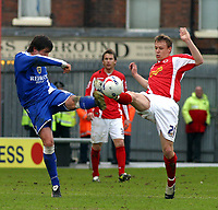 Photo: Dave Linney.<br />Crewe Alexander v Cardiff City. Coca Cola Championship. 17/04/2006Cardiff's .Steve Thompson(L) in high kicking action with Gary Roberts