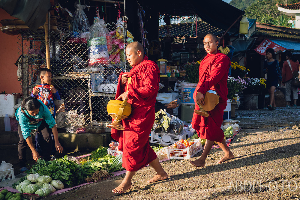 chiang rai mae salong thailand akha morning market
