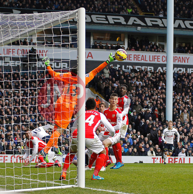 Arsenal's David Ospina makes a save - Photo mandatory by-line: Mitchell Gunn/JMP - Mobile: 07966 386802 - 07/02/2015 - SPORT - Football - London - White Hart Lane - Tottenham Hotspur v Arsenal - Barclays Premier League