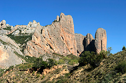 SPAIN ARAGON HUESCA CASTILLO DE LOARRE 25AUG05 - General view of Los Mallos, the nine pillars, a spectacular rock formation on the road to Huesca, Aragon...jre/Photo by Jiri Rezac..© Jiri Rezac 2005..Contact: +44 (0) 7050 110 417.Mobile:  +44 (0) 7801 337 683.Office:  +44 (0) 20 8968 9635..Email:   jiri@jirirezac.com.Web:     www.jirirezac.com..© All images Jiri Rezac 2005 - All rights reserved.