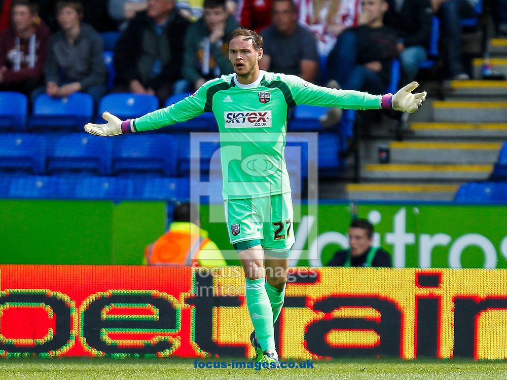 David Button of Brentford during the Sky Bet Championship match between Reading and y of Brentford at the Madejski Stadium, Reading<br /> Picture by Mark D Fuller/Focus Images Ltd +44 7774 216216<br /> 25/04/2015