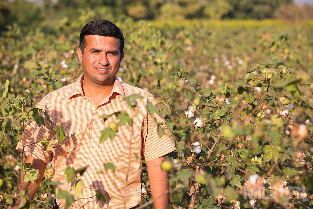 Ajit Kelkar, an organic cotton farming consulatnt on a farm in Madhya Pradesh, India.