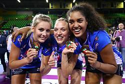 11-05-2017 ITA: Finale Liu Jo Modena - Igor Gorgonzola Novara, Modena<br /> Novara heeft de titel in de Italiaanse Serie A1 Femminile gepakt. Novara was oppermachtig in de vierde finalewedstrijd. Door een 3-0 zege is het Italiaanse kampioenschap binnen. / Laura Dijkema #14, Judith Pietersen #8, Celeste Plak #4<br /> <br /> ***NETHERLANDS ONLY***