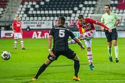 ALKMAAR - 26-10-2016, AZ - FC Emmen, AFAS Stadion, 1-0, FC Emmen speler Gersom Klok, AZ speler Thomas Ouwejan