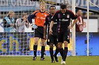 Fotball<br /> UEFA Cup Semifinale<br /> 01.05.2008<br /> Zenit St. Petersburg v Bayern München<br /> Foto: imago/Digitalsport<br /> NORWAY ONLY<br /> <br /> Enttäuschte Bayern, v.li.: Torwart Oliver Kahn, Ze Roberto und Lucio